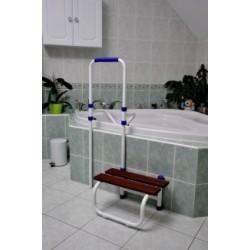 Sortie de bain avec barre d'accès et marchepied