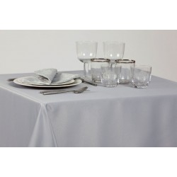 Nappe SATEN 100% polyester anti-tâches